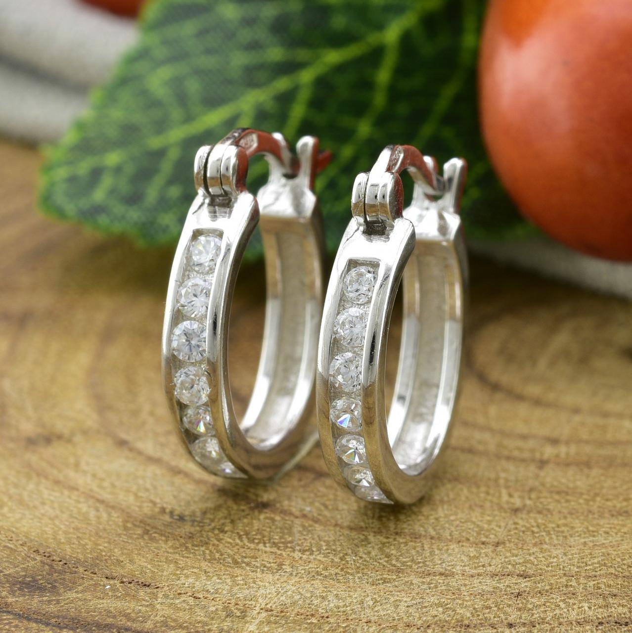 Серебряные серьги-гвоздики ТС520320б размер 18х3 мм вставка белые фианиты вес 3.6 г