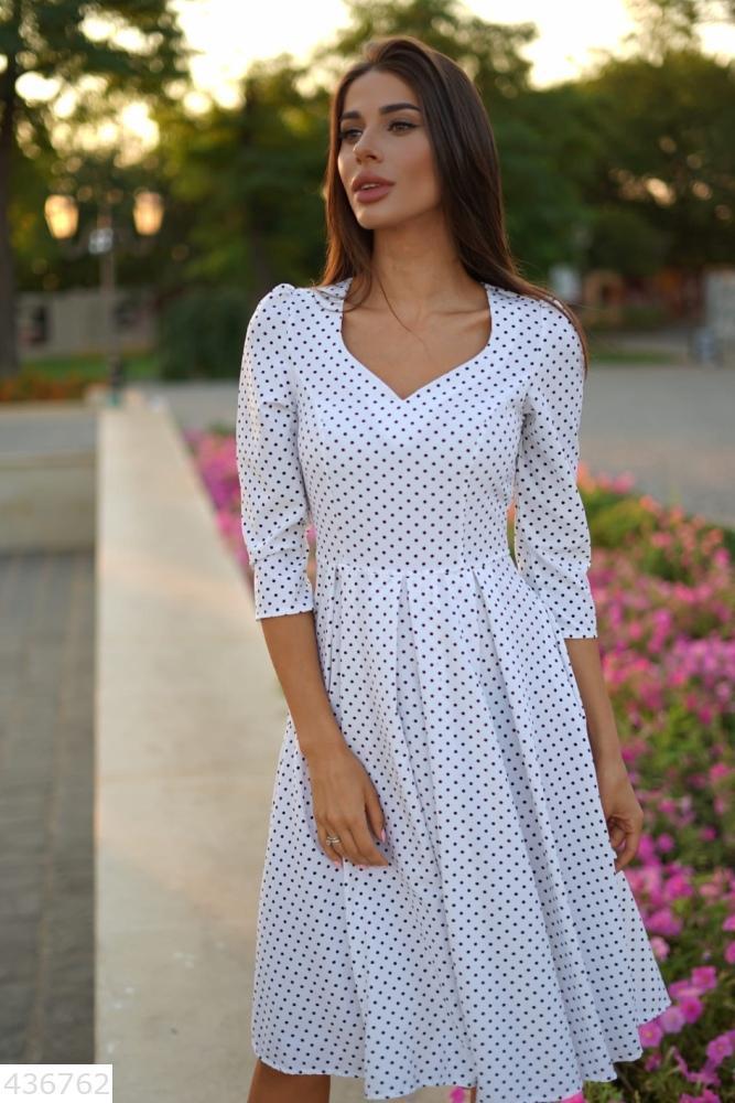 Красивое стильное женское платье миди в горошек белый