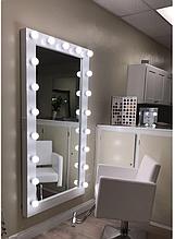 Большое зеркало с подсветкой для салонов красоты, дома и примерочных кабин