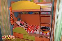Кровать детская двухъярусная с полками и нишами для белья А7 Merabel