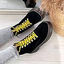 Женские черные замшевые ботинки на завышенной подошве и с желтыми шнурками BO4904, фото 2
