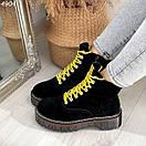 Женские черные замшевые ботинки на завышенной подошве и с желтыми шнурками BO4904, фото 3