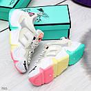 Женские белые кроссовки с разноцветными вставками на подошве BO7021, фото 3