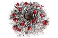 Новогодний подсвечник со стеклянной колбой с декором из шишек, ягод и шариков