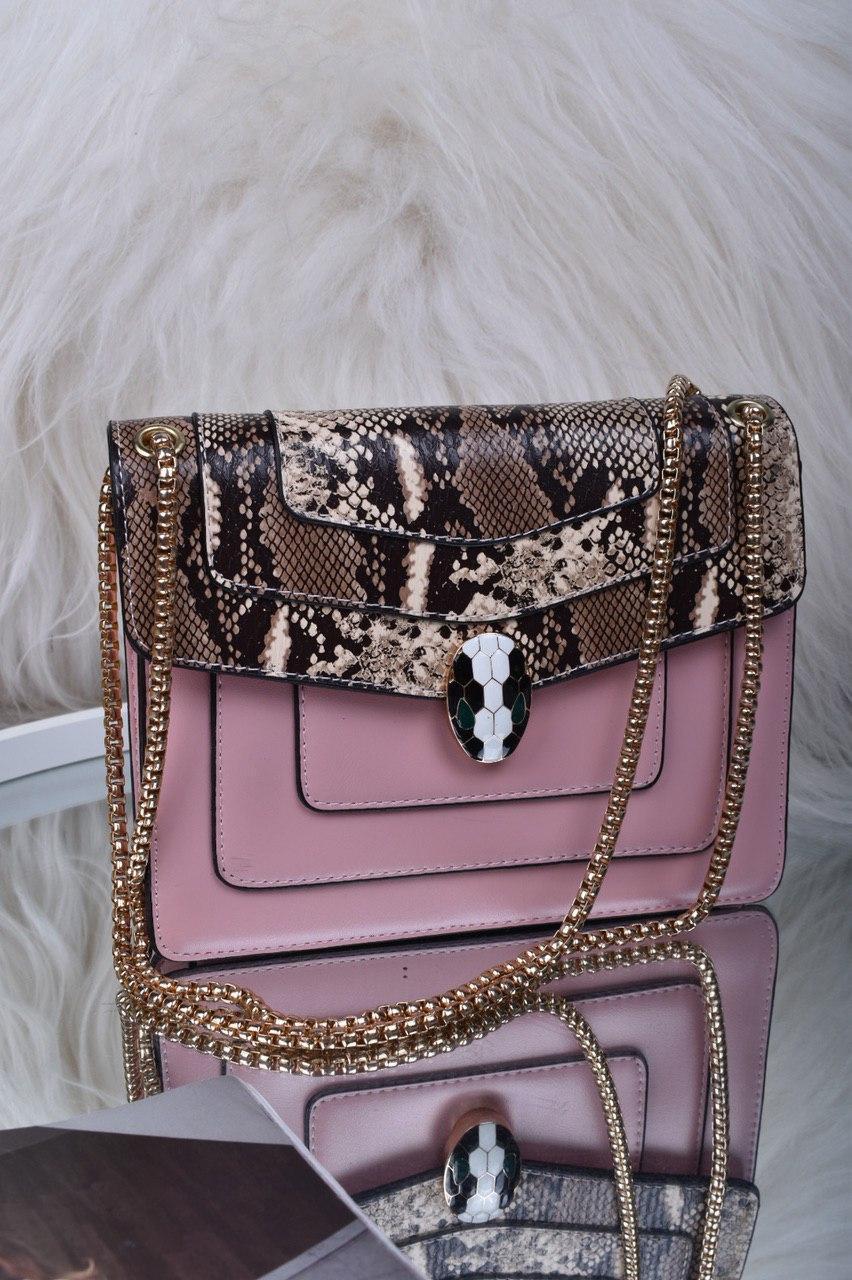 Рожева жіноча сумка зі вставкою рептилія код 7-1156