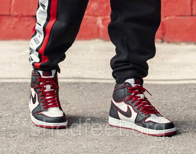 Air Jordan 1 Retro Bloodline фото