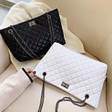 Женская большая классическая сумка шопер на цепочке белая, фото 8