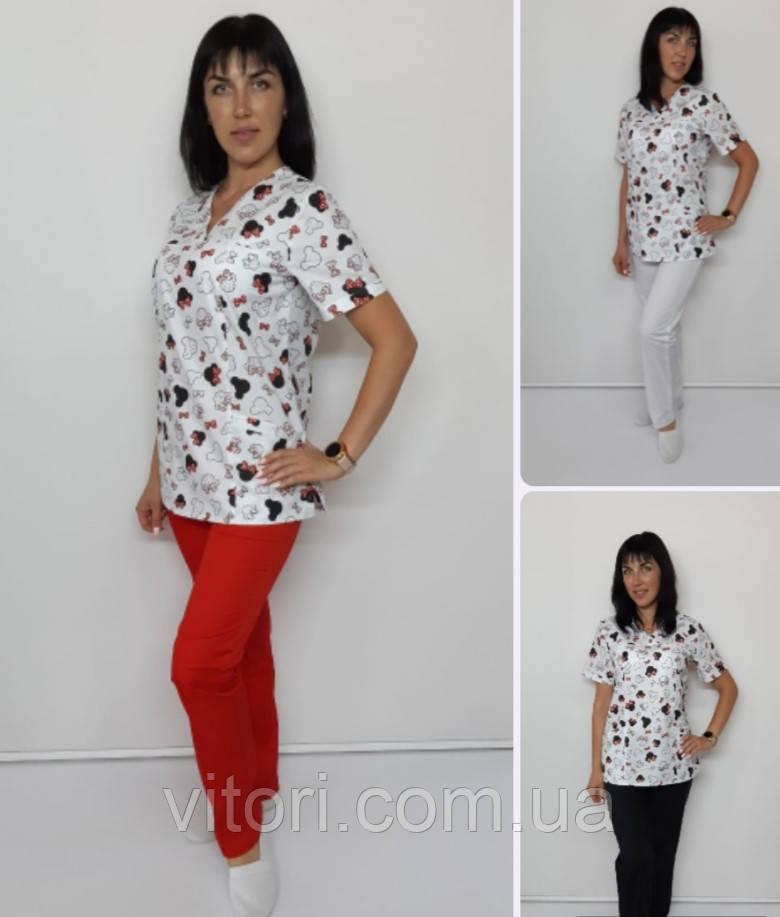 Жіночий медичний костюм принт Бантики червоні на білому