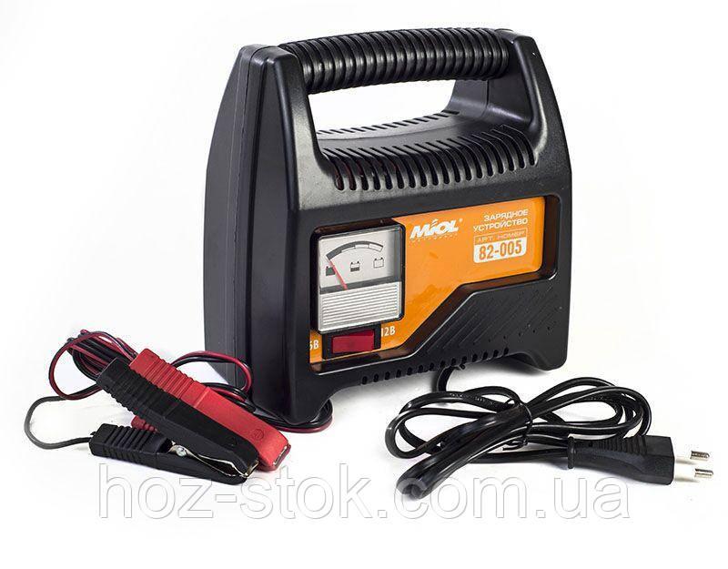 Зарядний пристрій (стрілка) 6-12В, 220V (82-005)