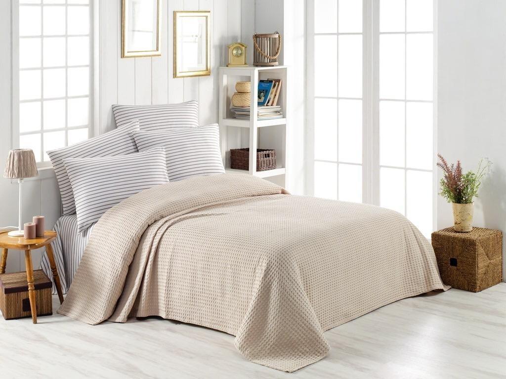 Турецкое постельное белье с вафельным покрывалом Пике Евро 220х240 Ранфорс Бежевый