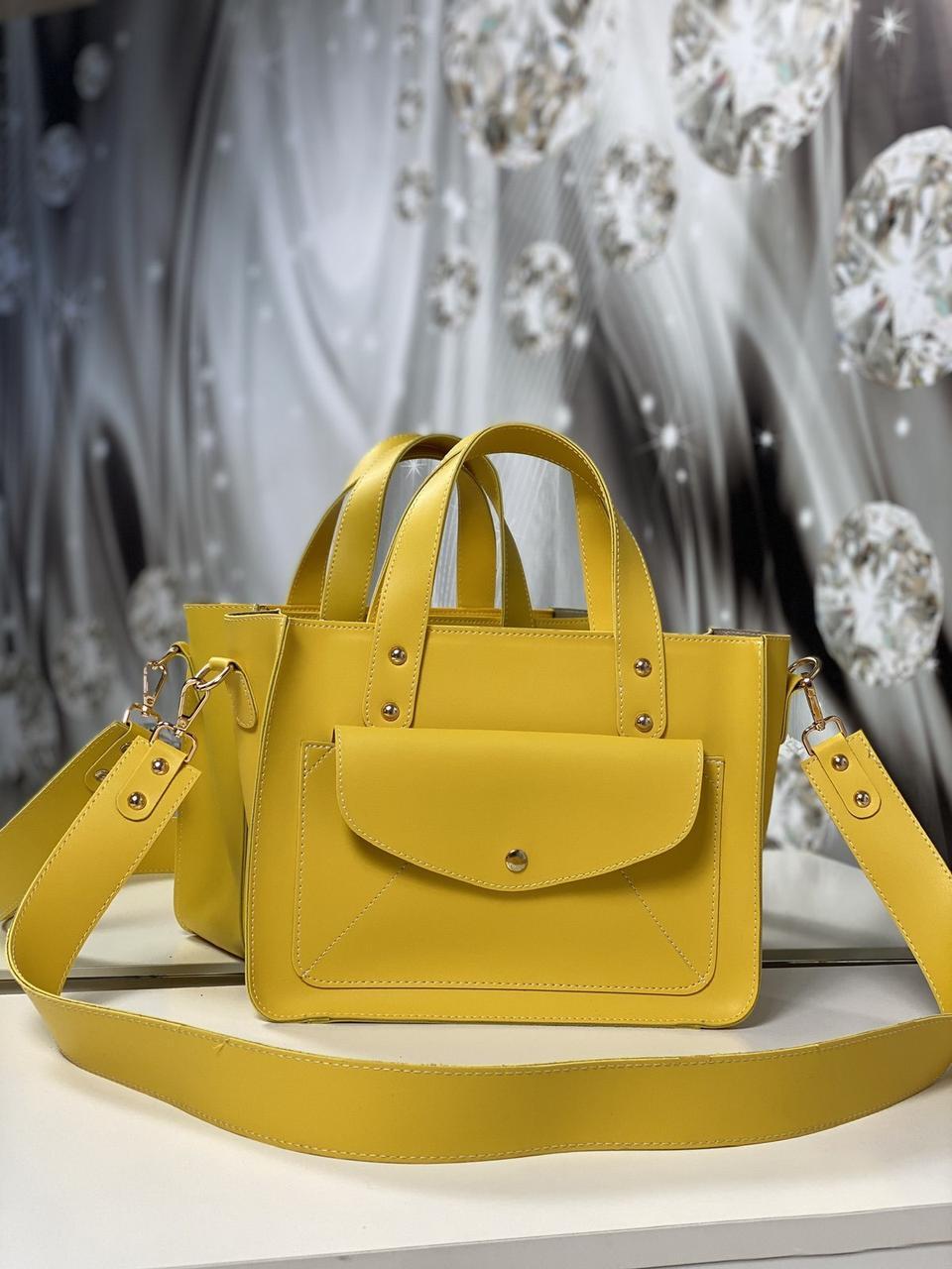 Женская классическая сумка на плечо средняя модная сумочка яркая желтая экокожа