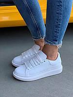 Женские кроссовки Alexander McQueen All White / Обувь Александр Маккуин белые кожаные модные кеды