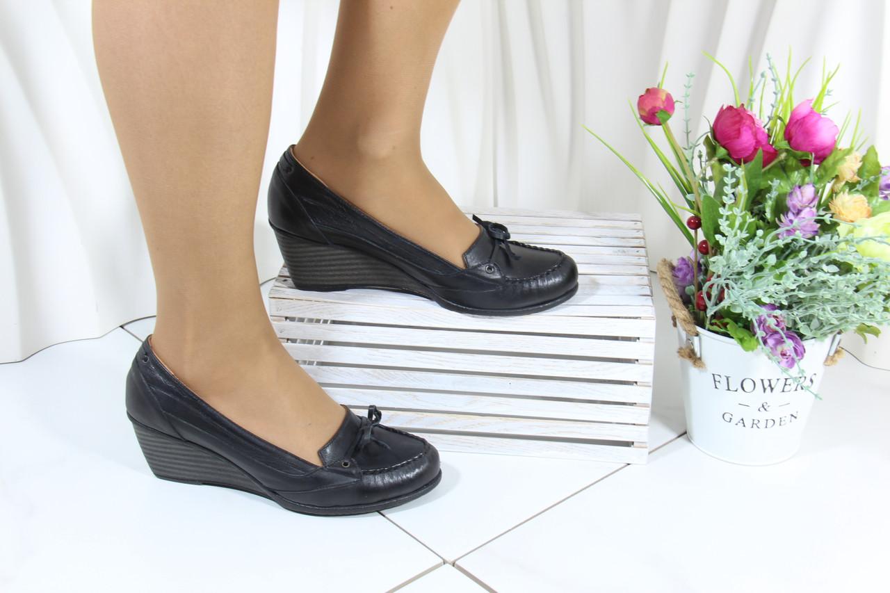 Черные женские туфли на танкетке Koraka 160-S