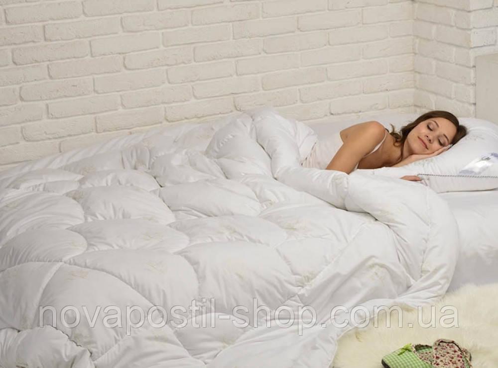 """Полуторное одеяло """"Лебяжий пух"""""""
