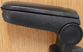 Peugeot 308 2007-2013 рр. Підлокітник (чорний)