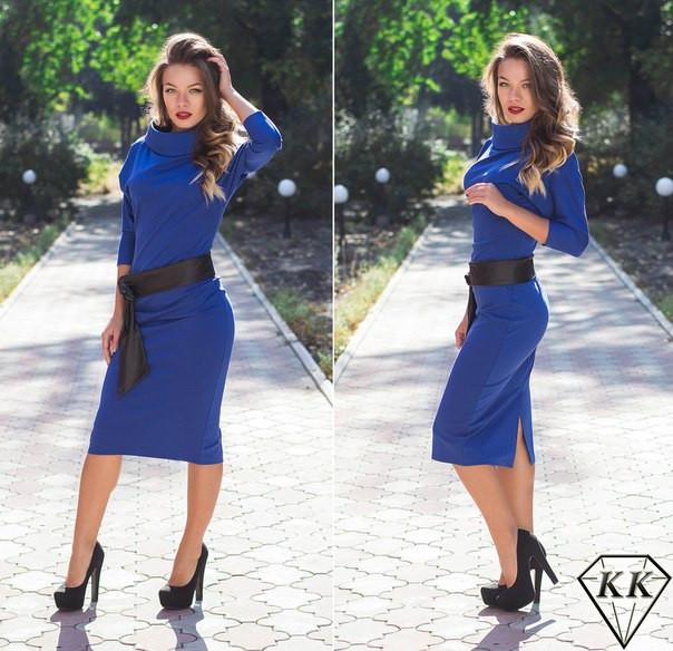 Синее платье с поясом