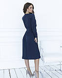 Темно-синее приталенное платье с плиссировкой, фото 3