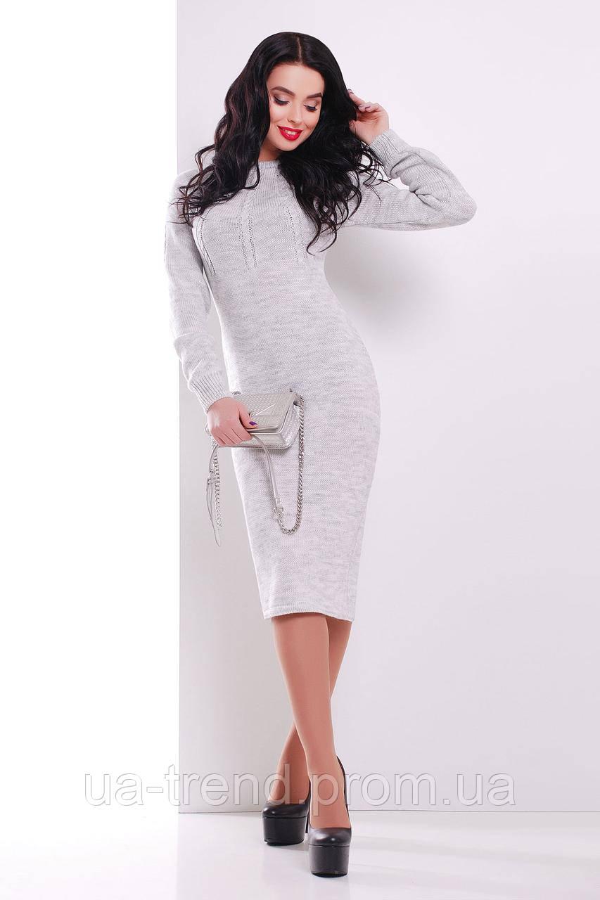 Вязаное платье серого цвета