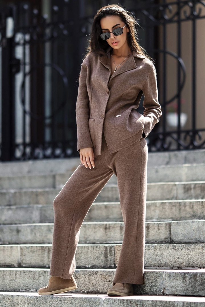 Теплый женский костюм