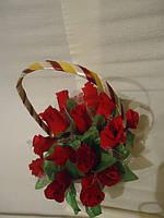 """Букет из конфет""""Корзинка с красными розами"""""""