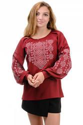 Блуза жіноча з вишивкою