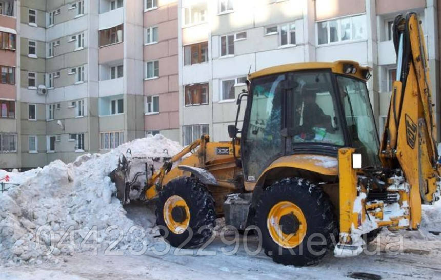 Уборка снега трактором в Киеве и Киевской области, фото 1
