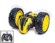 Машинка-багги Пчела на пульт управлении