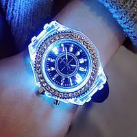 Женские классические часы Geneva Lighter с подсветкой корпуса