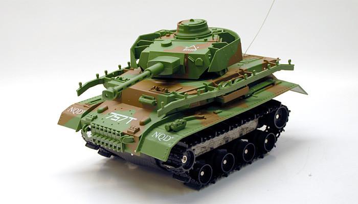 Аккумуляторный танк на радиоуправлении 2042