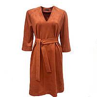 Терракотовое замшевое платье прямого кроя с поясом