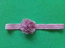 Повязка для девочки пудра - размер цветка 5,5см, размер универсальный (на резинке)