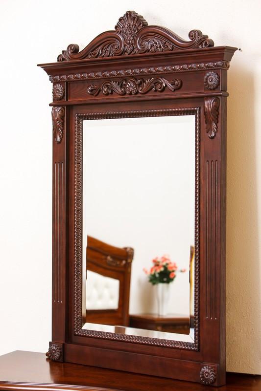 Код М-001.3. Настенное зеркало с резьбой