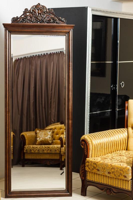 Код М-007.1. Напольное зеркало в классическом стиле