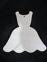 Платье из шлифованной фанеры 12х11,5 см 12\10 (цена за 1 шт. +2 грн.)