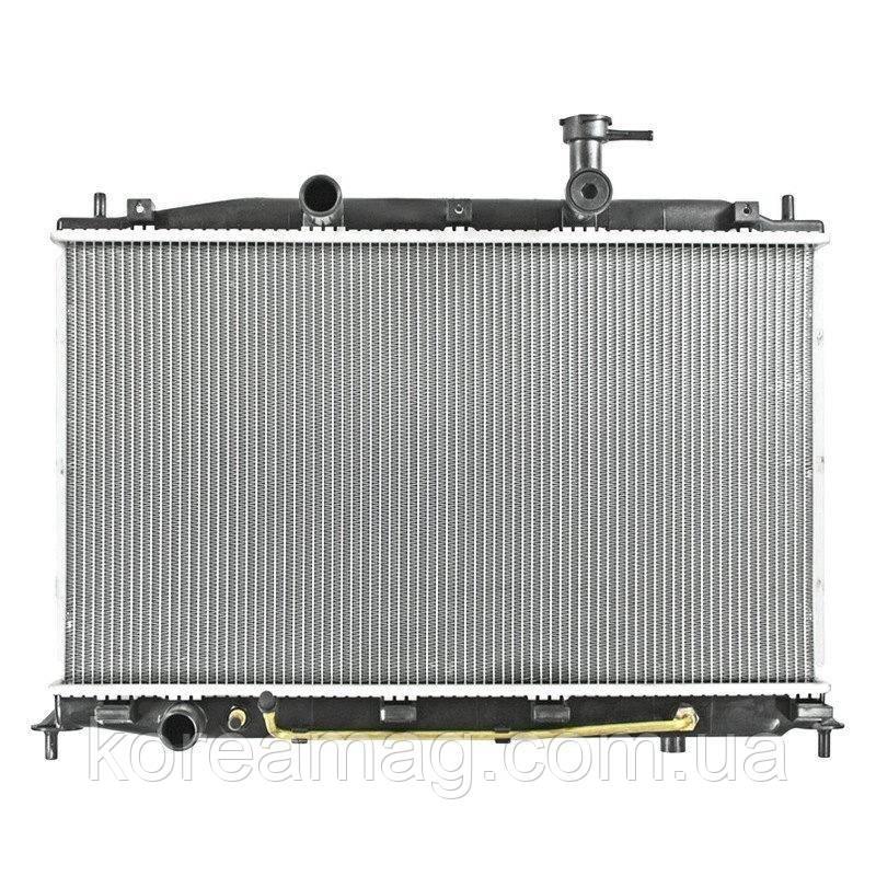 Радиатор охлаждения двигателя Hyundai Tucson A/T