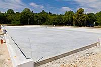 Столбчатый фундамент и монолитная бетонная плита для ангаров