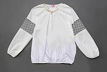 Блузка для девочки с длинным рукавом р.122,128,134,140,146,152 SmileTime Olivia с брошью, белая