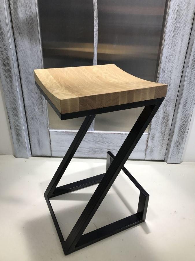 Стул для кафе из дерева и металла