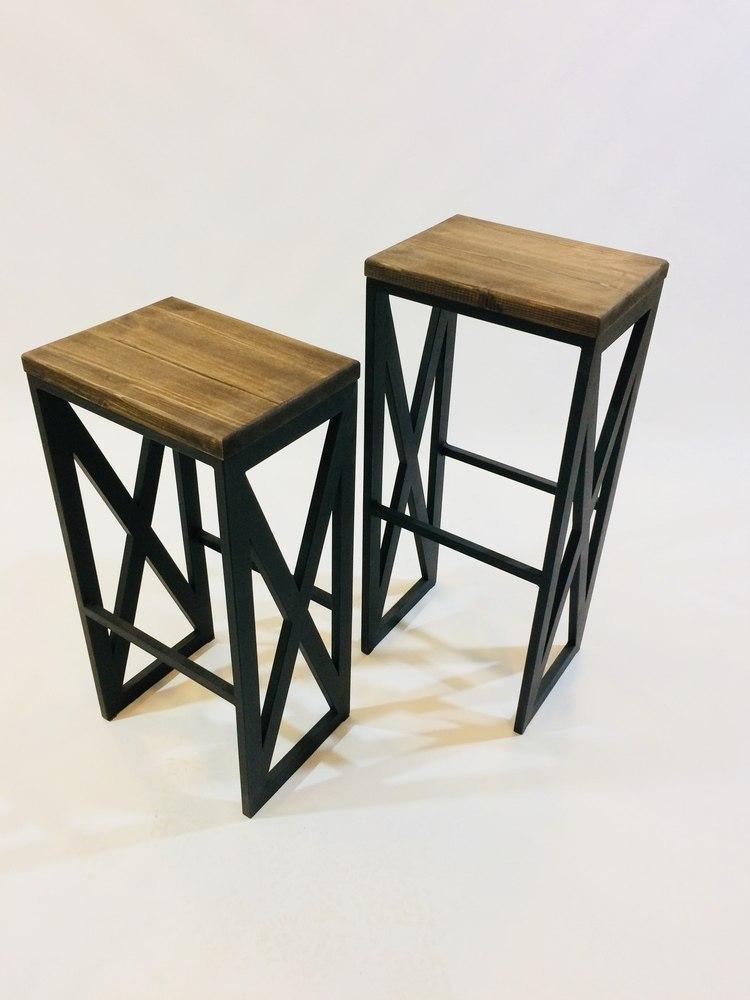 Барные стулья для кафе из дерева и металла