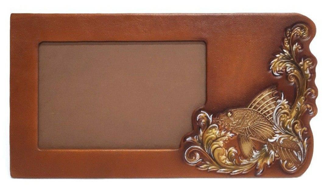 """Рамка для фото горизонтальной ориентации из натуральной кожи """"Золотая рыбка"""""""