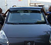 Козырек на лобовое стекло (черный глянец, 5мм) Citroen Berlingo 2008-2018 гг. Ситроен Берлинго, фото 1