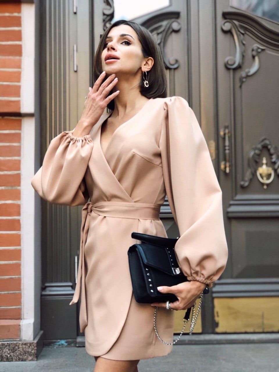 Платье на запах из костюмной ткани с рукавами фонариками 36py1559