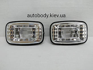 Левый = правый указатель поворота Тойота Ланд Крузер J100 на крыле (левый с правым) белый прозрачн.12v5w