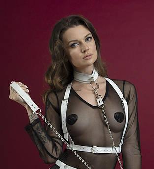 Портупея на груди Feral Feelings - Harness Top, натуральна шкіра, колір білий
