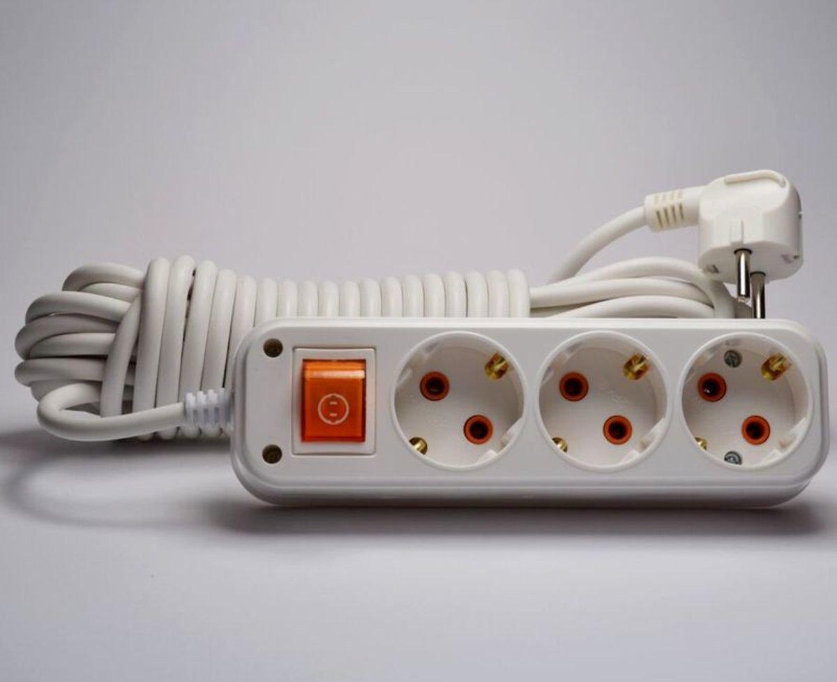 Profitec удлинитель 3 гн. с заземлением и выключателем 10м