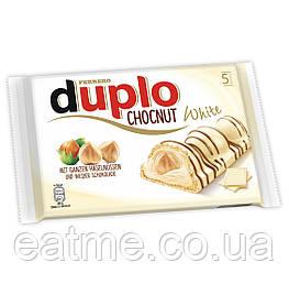 Ferrero Duplo Вафельные батончики со сливочной начинкой и цельным фундуком в белом шоколаде