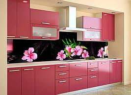 Вініловий кухонний фартух Рожевий Гібіскус декоративна плівка наклейка скіналі ПВХ квіти на Чорному тлі