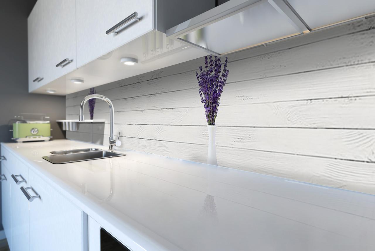 Виниловый кухонный фартук Лаванда в Вазе (декоративная пленка наклейка скинали ПВХ) Белые доски Прованс Серый 600*2500 мм