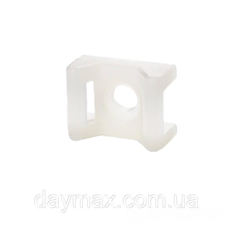 ElectroHouse Майданчик під гвинт для стягування [хомутів] 5,8 мм 16,5х22 мм білий нейлон