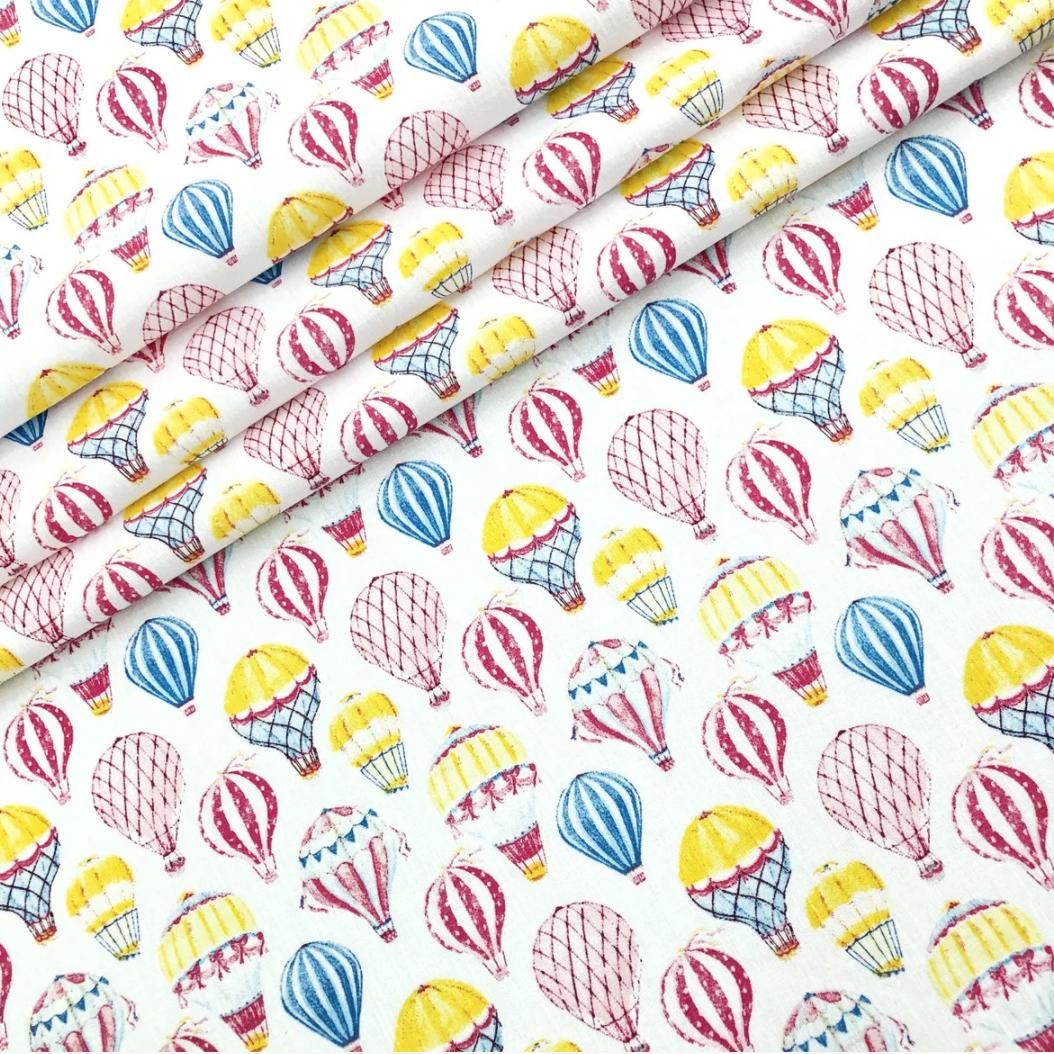 """Польская хлопковая ткань """"Воздушные шары разноцветные на белом"""""""